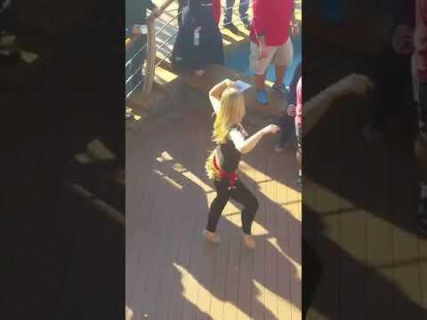 رقص زیبای دختر عربی....