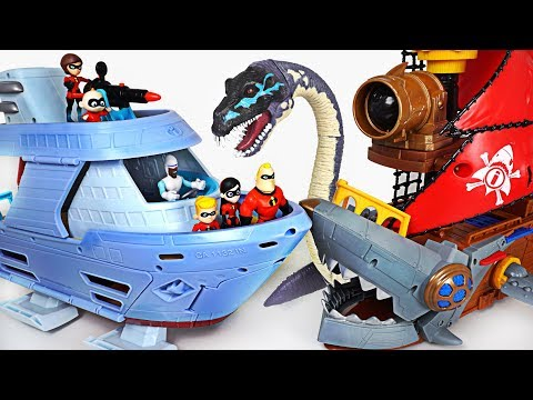 Pirates and sea monsters attack Robocar Poli! Go! The Incredibles 2 Hydroliner Ship! - DuDuPopTOY