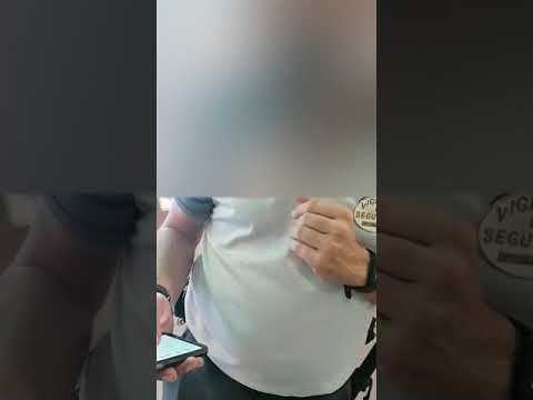 """Una abuela cuestiona a las mujeres que increparon a un vigilante de seguridad en un centro comercial """"por hacer su trabajo"""""""