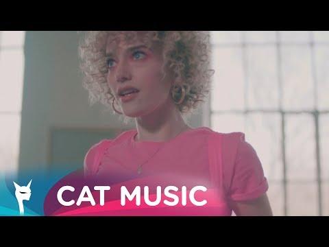 Alexia Talavutis – Aromata Video