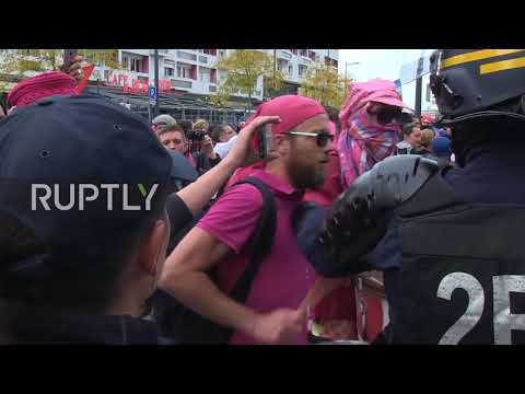 France: Arrests made as Calais pro-migrant march erupts into clashes