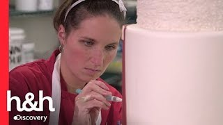 Liz no quiere que Carlos haga su pastel | Cake Boss | Discovery H&H