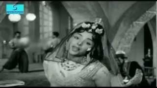 Nigahon Ki Jadugari - Lata Mangeshkar - SHABNAM