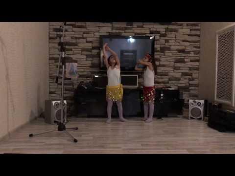 Каролина и Доминика - учатся слушать музыку и импровизирвать