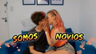 24 HORAS SIENDO NOVIOS *LA BESO*