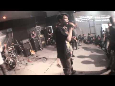 Outcry - Dimensi Kehancuran (live indramayu)