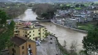 preview picture of video 'Pontecorvo Piena Fiume Liri 18 Marzo 2011'