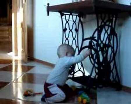 Rosnąca kość w nodze kciuka dziecka