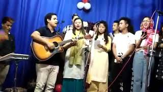 DeFone youth group team singing, praise the lord