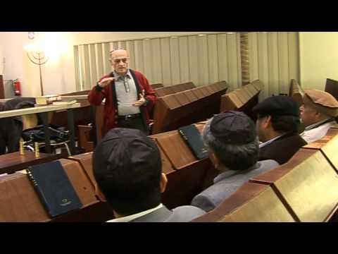 Muslime besuchen Synagoge der jüdischen Gemeinde in Hamburg
