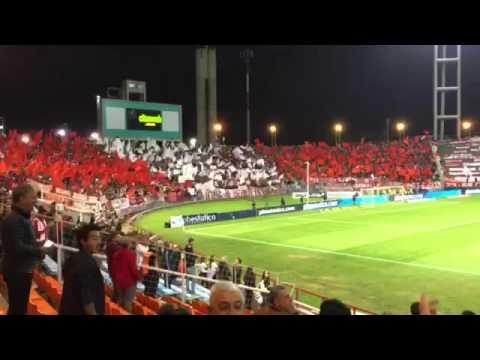 """Estudiantes de La Plata, Mar del Plata. Recibimiento vs Gimnasia"" Barra: Los Leales • Club: Estudiantes de La Plata"