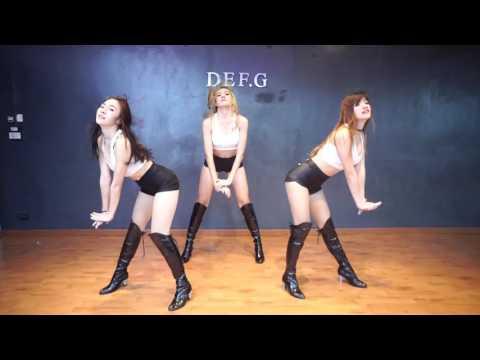 [สายย่อ] ดึงสติ - วงต๊กโต อาร์สยาม (dance by Def-G) - YouTube ▶1:52