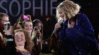 The Mrs. Carter Show: Beyoncé Sings to a Special Guest in Perth