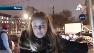 В Москве общественники перекрыли тротуар, по которому автоледи объезжали пробку