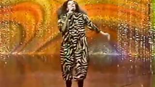 DIANA ROSS  Why Do Folls Fall In Love- Tonight Show