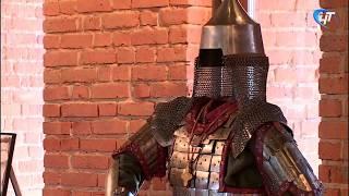 В Белой башне открылась выставка «Вооружение и доспехи русских воинов»