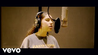 Alessia Cara - Here (Live Off The Floor)