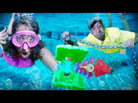 Underwater Escape Room! (The Puppet Master's Mansion!)