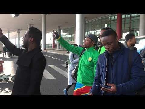 Arrivée de Cedrick Bakambu en chine