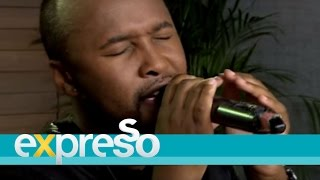 Vusi Nova performs 'Thandiwe'