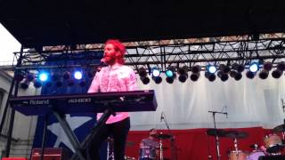 A Real Hero - Smallpools 40 Acres Fest 2015 Pt. 1