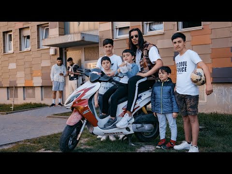 Apache 207 - Brot Nach Hause (Official Video)
