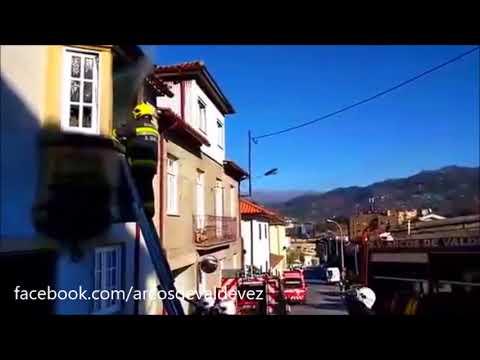 Directo: Fogo na rua de S. Bento em Arcos de Valdevez