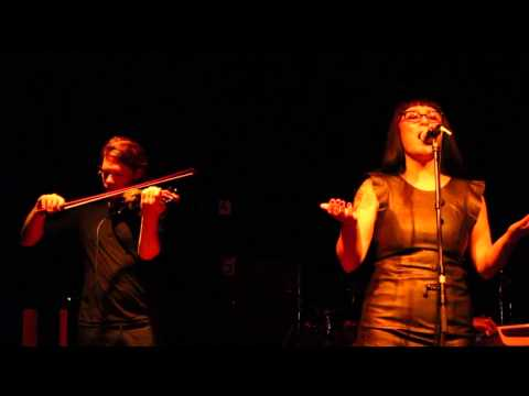 Vaselyne - August (live at Volta - Amsterdam)