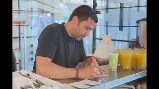 """""""Acá cabemos todos"""": a estos emprendedores venezolanos se les 'prendió el bombillo' en Bogotá"""