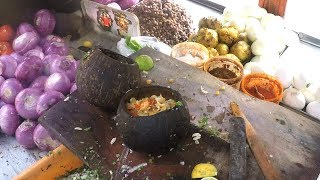 Indian Street Food - Muntha Masala With Egg @ 20 Rs Plate   Spicy Chat Masala