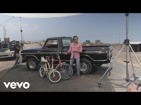 La Bicileta (Entre Bastidores) - Shakira (Video)