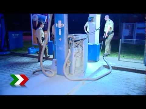 Das Rülpsen vom Benzin des Grundes