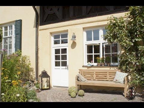 Lieblingsplätze im Garten einrichten - Teakbank Tri - Gartenbank Holz | VARIA LIVING