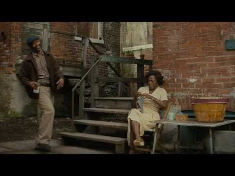 Fences (Featurette 'David Gropman Designing Fences')