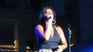 Sara Evans - No Place That Far Live Rockford Illinois