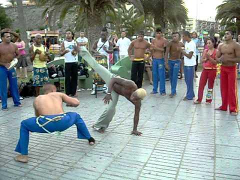 Kapoera - borilačka veština sa elementima ritma i akrobatike