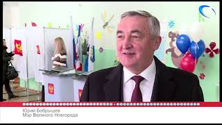 53 секунды: выборы Президента РФ, голосование мэра Великого Новгорода Юрия Бобрышева