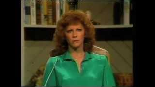 Reba McEntire -I Don't Think Love Ought To Be That Way