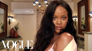 Rihanna's Epic 10-Minute Guide to Going Out Makeup | Beauty Secrets | Vogue - Video Youtube
