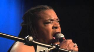 "Mr Hansen Band feat. Angela Brown - ""Let The Back Door Hit You"" Live from Juleblues 2015"