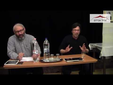 Beszélgetés Hont Andrással, a HVG újságírójával az Ohél Ávrahám Zsinagógában. 2018. November 22.