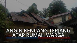 Angin Kencang Terjang Atap Rumah Warga Padang, BPBD: Pohon Tumbang Tutup Akses Jalan