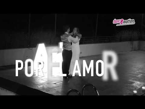 Conócenos con un vídeo recopilatorio de bailes de boda
