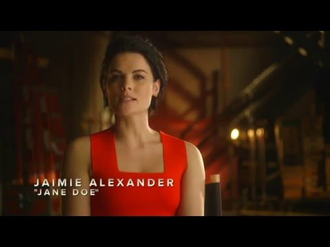 Batman v Superman: Dawn of Justice (Viral Video 'Who Will Win? by Jaimie Alexander')