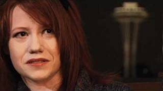 Райчел Мид, Richelle Mead Iron Crowned Author Interview Video