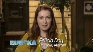 Felicia Day - Le Dr Holly Marten dans la saison 4 d'Eureka. (07/11)