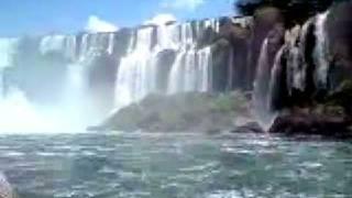 preview picture of video 'Iguazu Falls boat adventure'