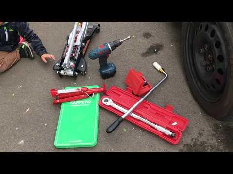 Werkzeugtip - Helfer beim bequemen Reifenwechsel