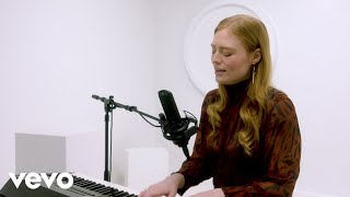 """Freya Ridings - """"You Mean The World To Me"""" Live Performance 