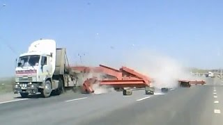 Unexpected unloading on the move Car Crash Compilation